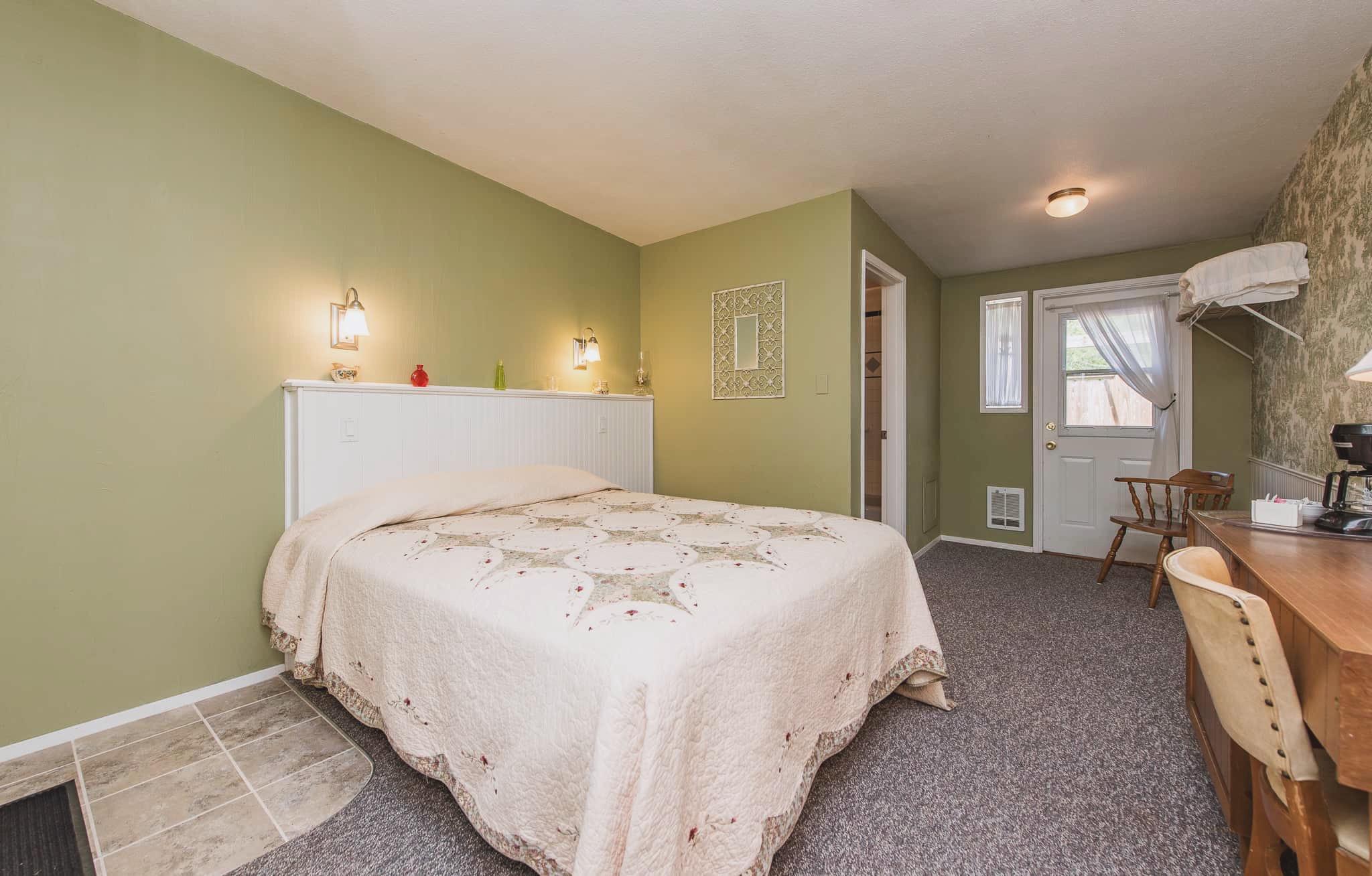 Emerald Valley Inn - Alder Room