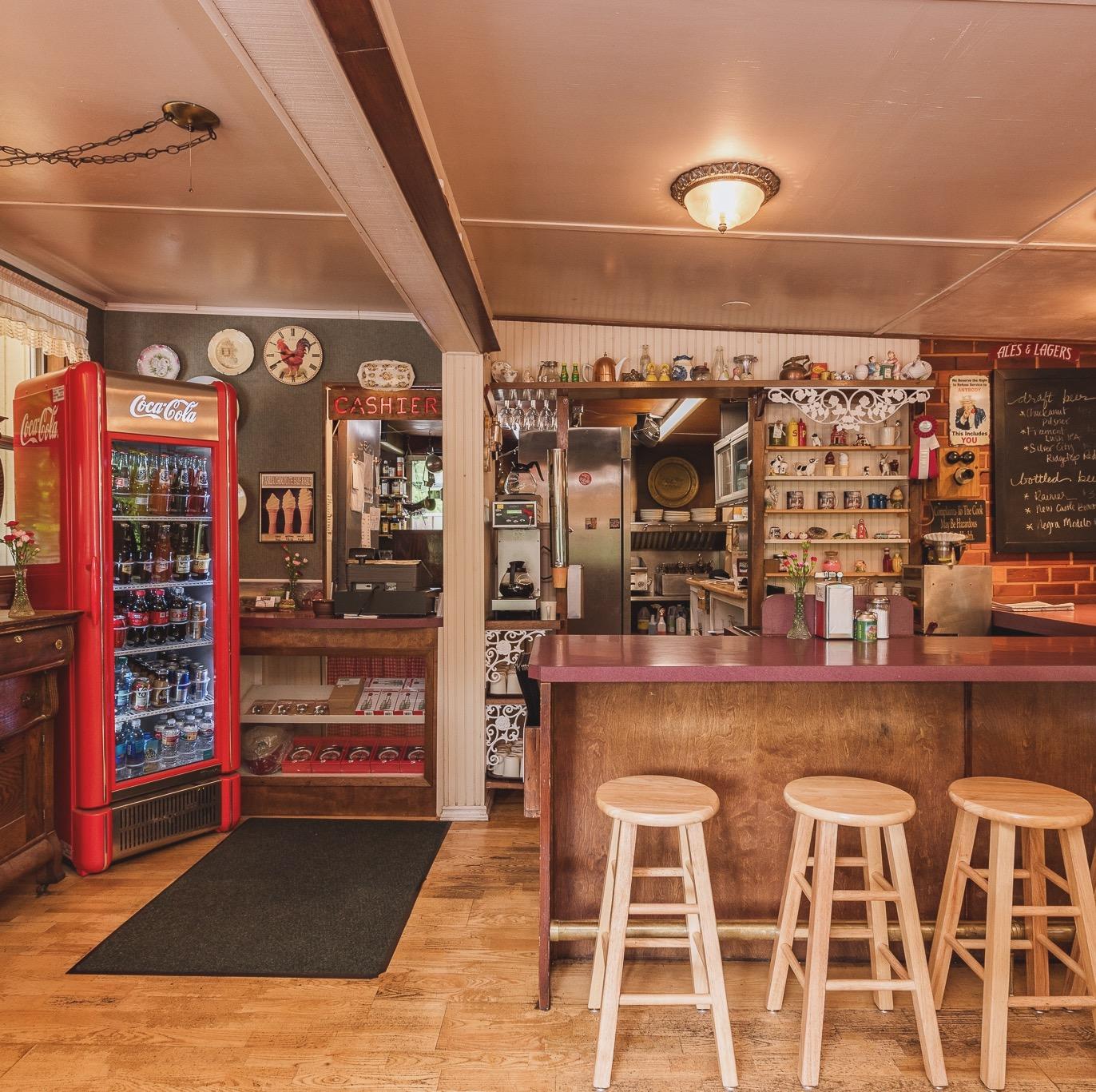 Emerald Valley Inn - Granny Cafe Counter
