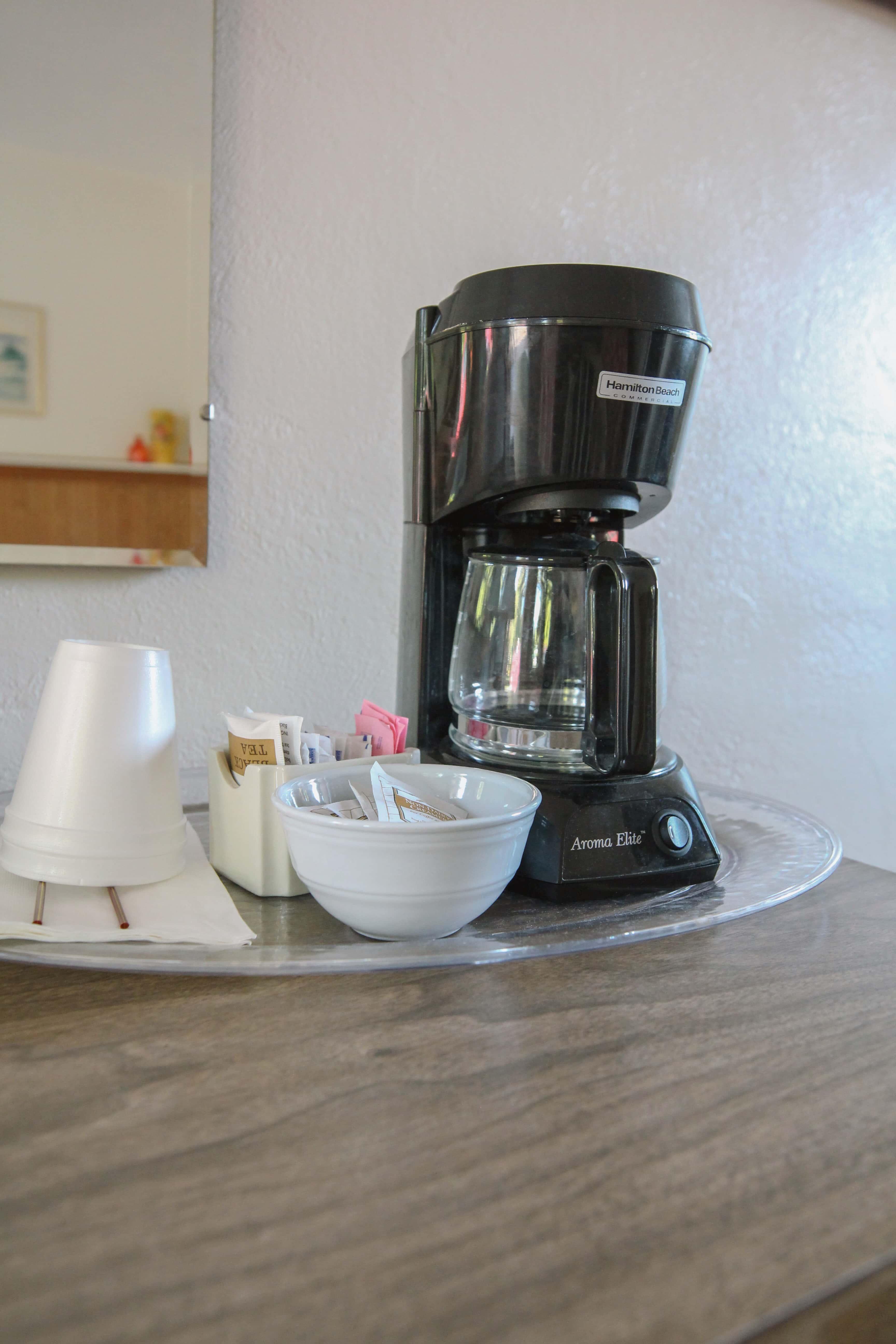 Emerald Valley Inn - Fir Room Coffee Station