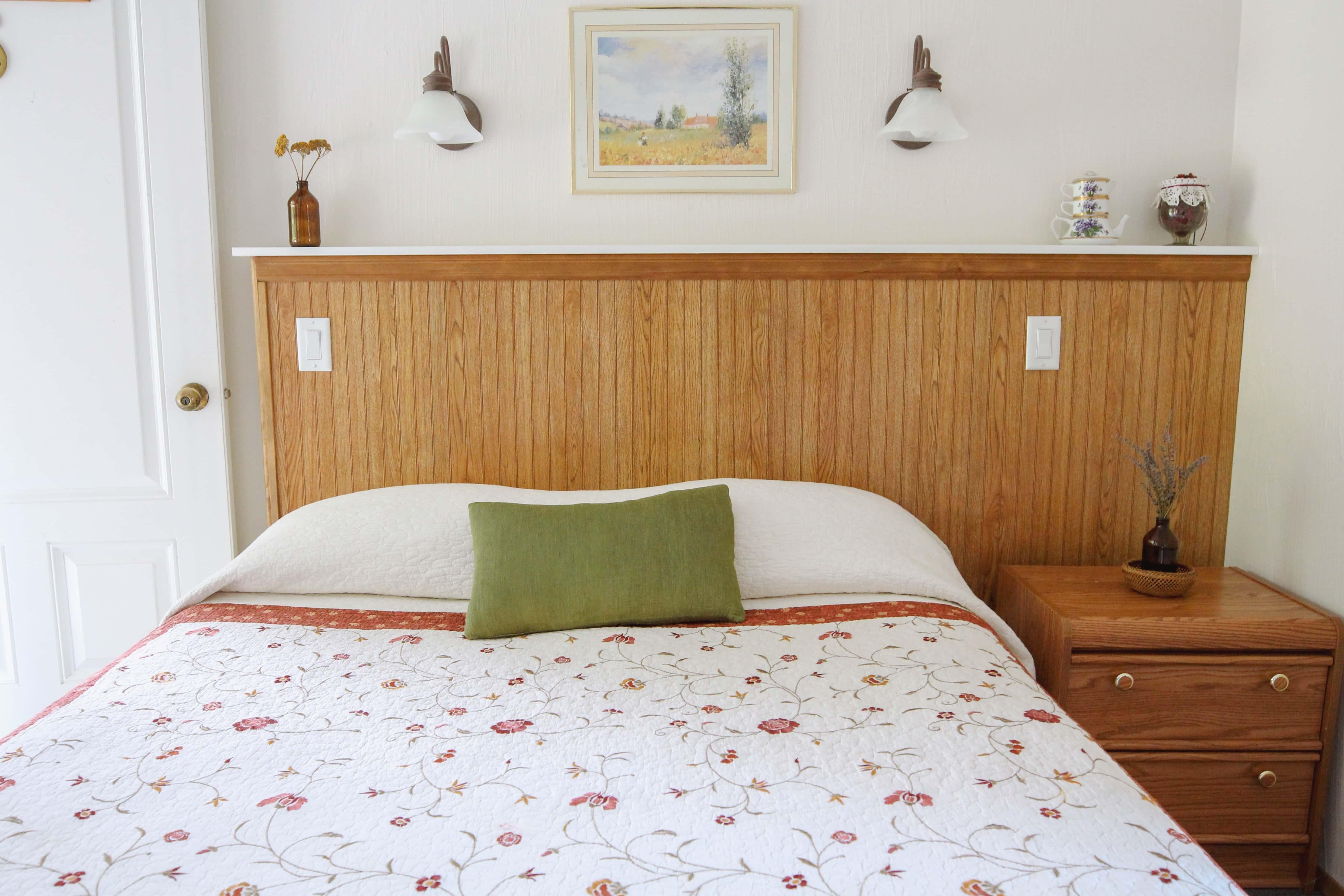Emerald Valley Inn - Hemlock Bedroom
