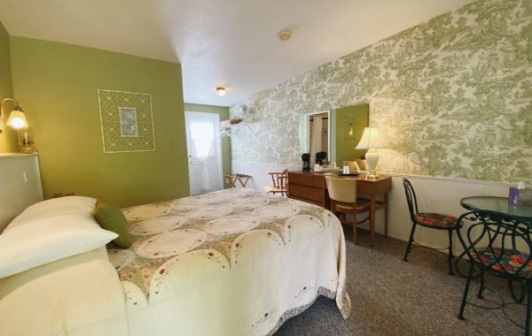 Boulder Creek Room